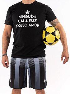 Camisa T-shirt Casal Wod Crossfit - NINGUÉM CALA ESSE NOSSO AMOR (Branca)
