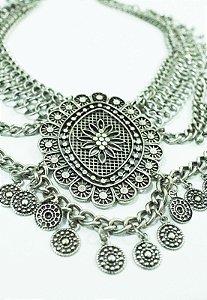 Malha prata com medalhão