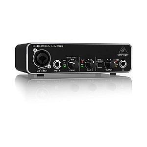 Interface de Áudio Behringer USB U-Phoria UMC22 24-bit/48 kHz com pré Midas