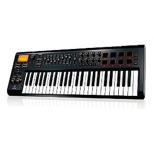 Teclado controlador MIDI USB Behringer MOTOR 49