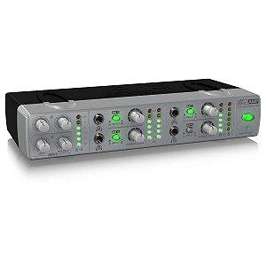 Amplificador de fone MiniAmp AMP800 Behringer de 4 canais