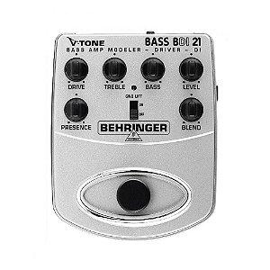 Pedal para contrabaixo Behringer BDI21 V-Tone modelador e DI