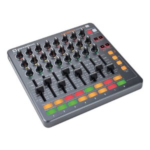 Controlador Novation Launch Control XL c/ 24 knobs e 8 faders
