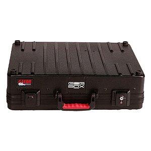 Case em Polietileno Gator G-GIC-BOX-TSA com Suporte para 3 Guitarras 1 Violão e Pedais