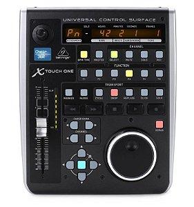Controlador Behringer X-Touch One para DAW 34 Botões Retroiluminados
