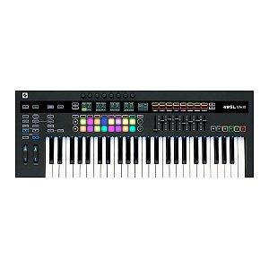 Teclado Controlador Novation SL MK3-49 USB/MIDI 49 Teclas Semipesadas