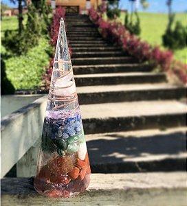 Cone orgonite harmonizador dos 7 chakras - Uso terapêutico e/ou individual com Ametista, sodalita, quartzo azul, quartzo verde, citrino, cornalina e jaspe vermelha