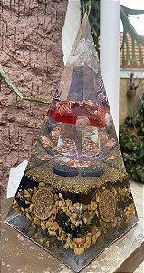 Orgonite Pirâmide Gigante Proteção Total- 29x13cm - Feita com as mais potentes pedras de proteção existentes - Turmalina negra, jaspe vermelha e olho de tigre