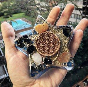 Orgonite Estrela 12 x2cm com turmalina e cornalina - transmutador de energia negativa em alegria e motivação