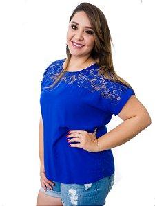 Blusa com detalhe em renda azul