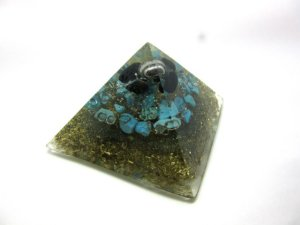 MINI PIRÂMIDE ORGONITE DE TUNIA  (01)