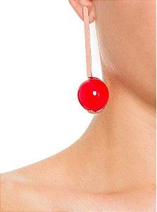 Brinco bola resina vermelho