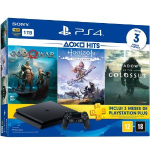PS4 - Console Playstation 4 Slim 1TB Bundle (God of War, Horizon Complete Edition, Shadow of The Colossus) - Oficial Sony Brasil