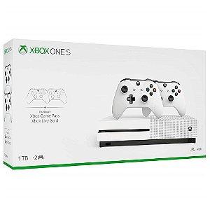 XboxOne - Console Xbox One S 1Tb + 2 Controles (Oficial Microsoft Brasil)