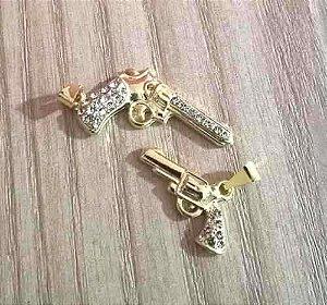 Kit 2 Pingentes Revolver Arma Policia Folhedos A Ouro 18k.