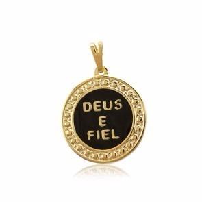 Pingente Deus É Fiel Detalhe Preto Folheado A Ouro 18k.