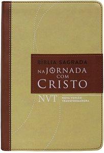BÍBLIA NA JORNADA COM CRISTO NVT - MARROM