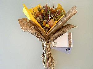 Kit Voucher Massagem Relaxante 60' + Bouquet de Flores Sendai