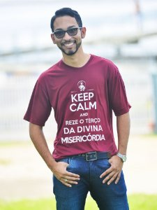 CAMISETA KEEP CALM - BORDO