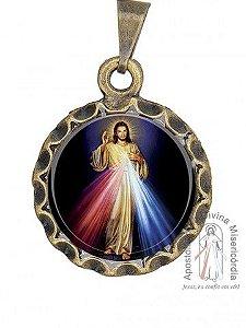 MEDALHA RESINADA REDONDA EM METAL OURO ENVELHECIDO - JESUS MISERICORDIOSO
