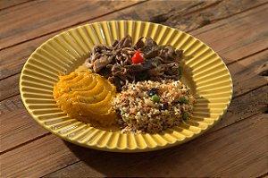 Shimeji grelhado, cuscuz de quinoa com cranberry e castanhas e purê de abobora cabutia - 300g