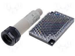 sensor retroreflectivo, 18mm  PNP, NA, conecto M12, E3F2-R2RB41-P1, corpo plastico, alimentação 15a34Vcc, posição radial  E3F2-R2RB41-P1