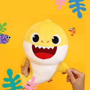 Pelúcia Tubarão Peixe Baby Shark 30cm Amarelo Musical Toyng
