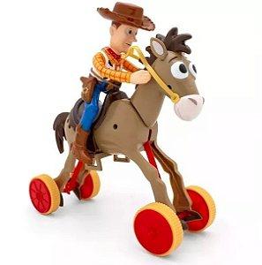 Woody E Bala No Alvo Galopante Toy Story Disney Toyng 22747