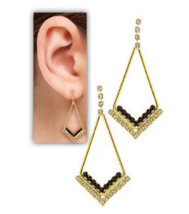 BRINCO TRIANGULAR STRASS PRETO FO