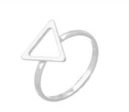 Anel triangulo liso