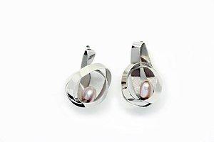 Brinco Hidden - Prata 950 e Pérola Rosa