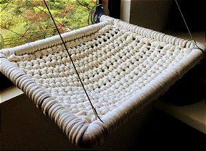 Cama Suspensa Tradicional em Maxi Crochê