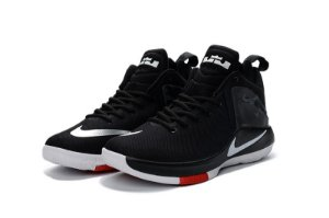 Nike Lebron Witness