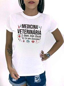 T-SHIRTS FEMININA POLIÉSTER MEDICINA VETERINÁRIA 5 ANOS