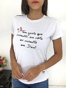 T-SHIRTS FEMININA VISCOLYCRA BRANCO ACREDITO EM DEUS