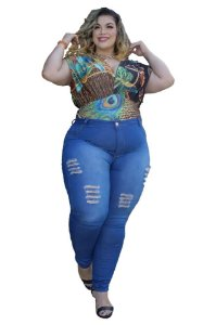Calça Jeans Feminina Plusize Clara Rasgada