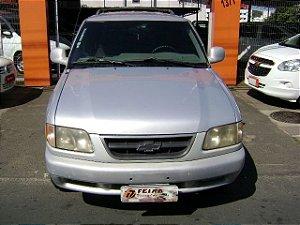 Blazer DLX 06cc 1997/1998 com: ar-condicionado, direção hidraulica, vidros e travas eletricas, gasolina