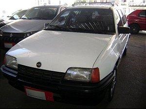 kadett ipanema gl 1995/1995 com ventilação quente e frio, limpador e desembaçador traseiro, motor 1.8