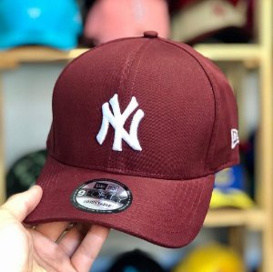 Cap New Era New York Yankees Wine Strapback Aba Curva