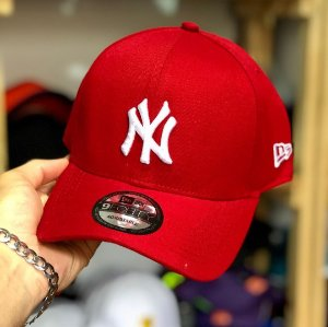 Cap New Era New York Yankees Red Strapback Aba Curva
