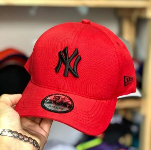 Cap New Era New York Yankees Red Black Strapback Aba Curva
