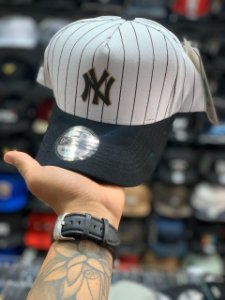 Cap New Era New York Yankees Stripes White Gold Strapback Aba Curva