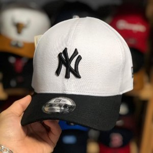 Cap New Era New York Yankees White Black Strapback Aba Curva