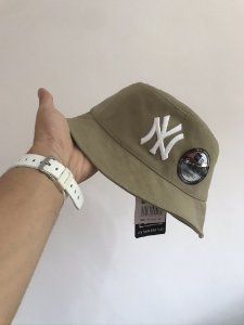 Bucket Hat New Era New York Yankees Sand White