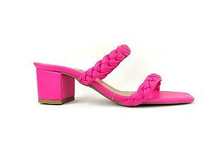 Sandália Tamanco Rosa Pink com Tiras Trançadas Tressê Salto Grosso Baixo 5 cm
