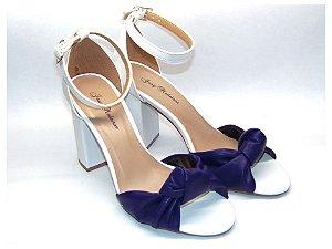 Sandália Branca com Azul Marinho  com Salto