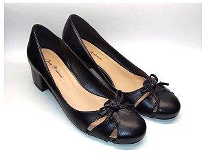 Sapato Preto com Lacinho Salto Grosso