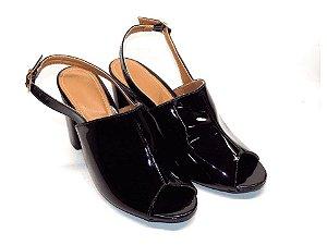 Sandália Chanel Preta em Verniz Salto Grosso