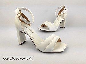 Sandália Soft Branca Acolchoada Salto Meio Bloco 8 cm