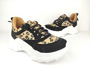 Tênis Chunky Sneaker Oncinha com Preto Solado Branco 5 cm